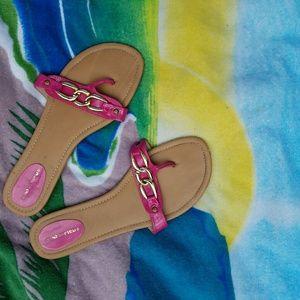 Shoes - Golden Chain Patent Fuchsia Magenta Slides